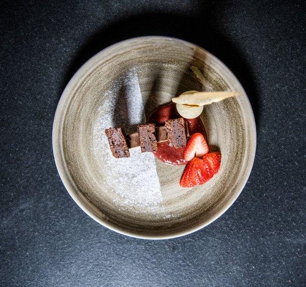Schokozwitschern - Brownie | weiße Schokolade | Erdbeeren | Pfeffer